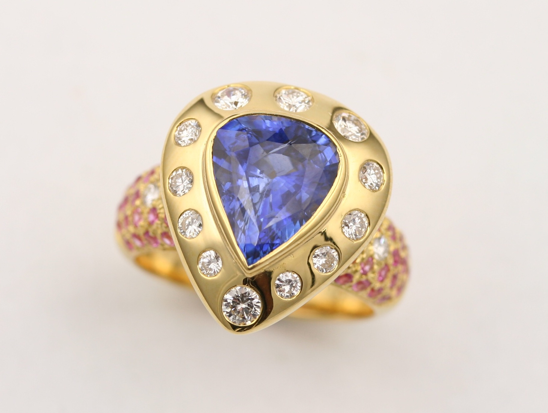 Sapphire, Diamond And Pink Sapphire Ring 18k Gold